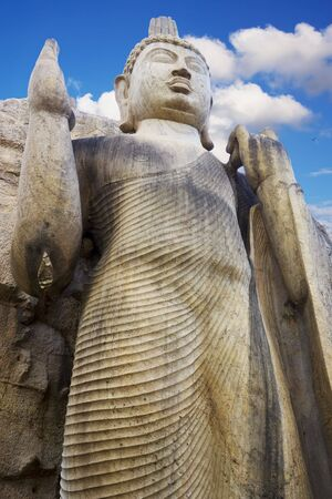 Image of Aukana Budha, the tallest Buddha Statue in Sri Lanka.  Stockfoto