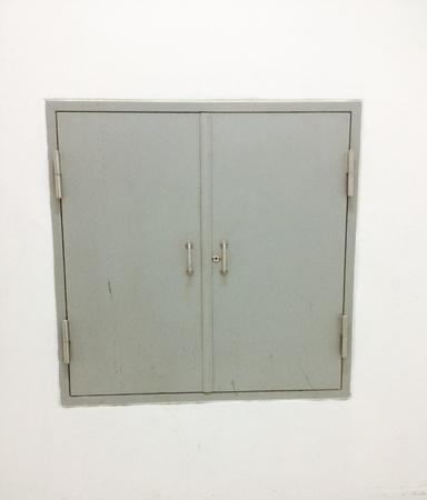 grunge: Door in grunge room
