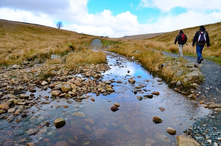 Yorkshire Dales: Hikers walking The Yorkshire Dales