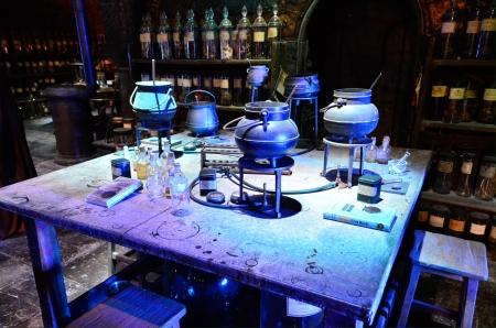 harry: Professor Snapes Potions classroom at Warner Brothers Studio