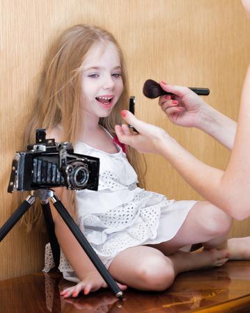 little colours: Litte girl befor photo shoot