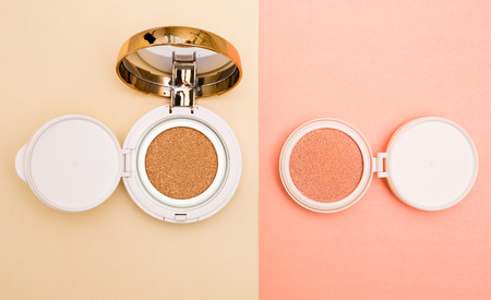 Tonal foundation and highlighter, base for make-up in the form of a cushion.