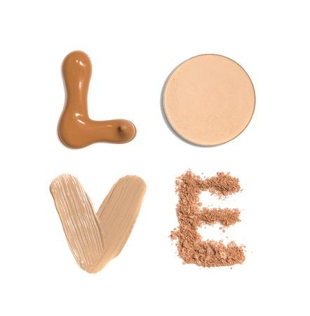 단어 파운데이션, 컨실러 및 파우더 샘플로 만든 사랑 스톡 콘텐츠