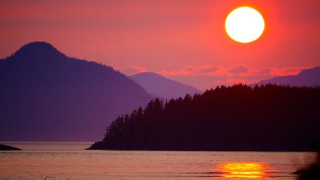 Alaska Mountain Ocean Sunset Imagens
