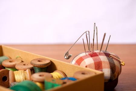 kit de costura: Accesorios de costura Foto de archivo