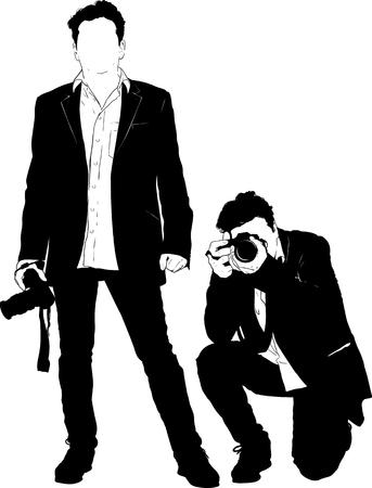 Dos siluetas de un hombre con una cámara que está de pie y agachado