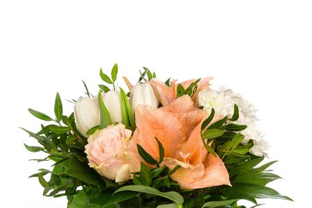 knospe: Ein Blumenstrauss mit Rosen, Amaryllis und Chrysanthemen