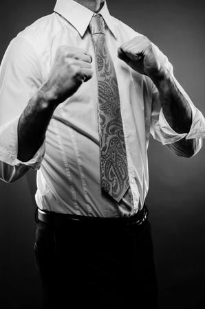 molesto: Hombre de negocios listo para luchar