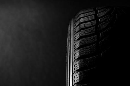 Schwarz Reifen Standard-Bild - 33636292