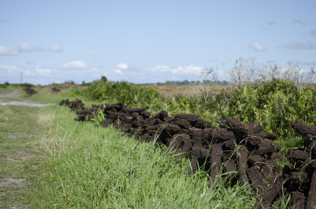 turba: la cosecha de turba en Listowel, Co. Kerry, Irela