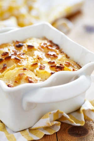 scalloped: scalloped potatoes Stock Photo