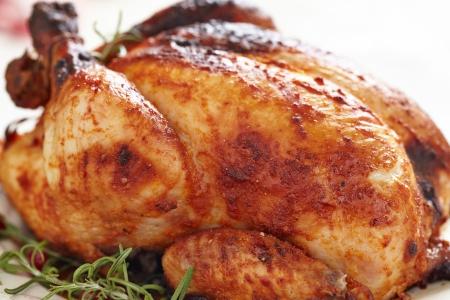 ciep�o: Cały pieczony kurczak