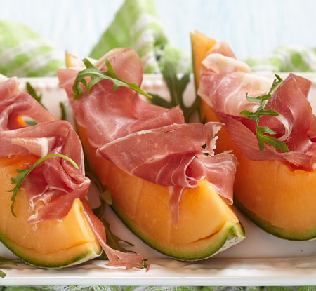 prosciutto: Fresh Cantaloupe Melon with Prosciutto and  Arugula
