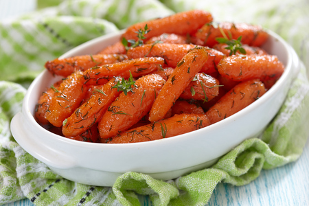 Honey Glazed Baby Carrots With Thyme And Dill
