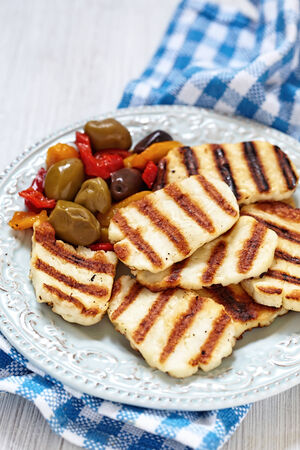 haloumi: Grilled halloumi cheese with olives and pepers