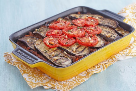 baked meat: Baked gratin with ground meat and grilled eggplants