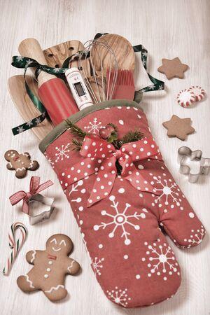 mitt: Great Christmas gift idea. Stuffed baking mitt