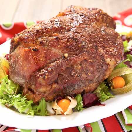 baked meat: Roasted pork neck with garlic and black pepper