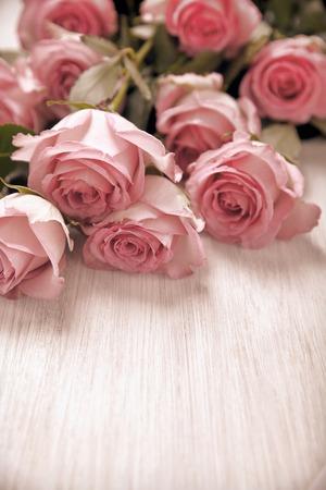 love letter: Concepto de día de San Valentín con letras de amor y flores