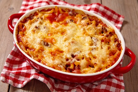 red pepper: Easy macaroni casserole with lean ground beef