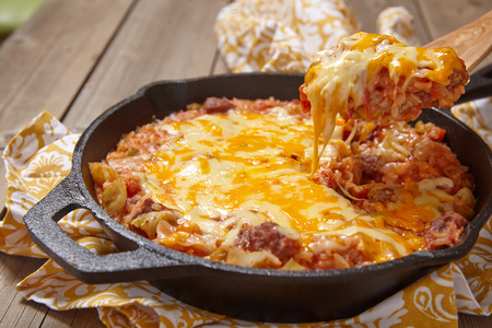 tomato sauce: Cabbage casserole with beef, cheese and tomato sauce