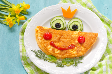 cute frog: Breakfast for kids - frog princees omelette with vegetables