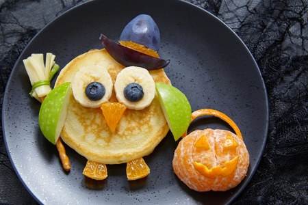 Owl pancakes for kids breakfast on Halloween