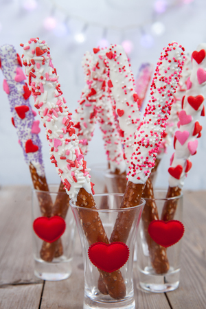 table decoration: White Chocolate Pretzel Pods for a Valentine Day