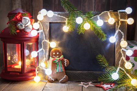 galleta de jengibre: Decoración de Navidad con pizarra pequeña y el hombre de pan de jengibre