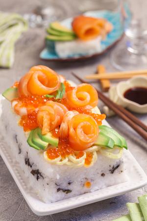 philadelphia: Salmon Sushi Cake