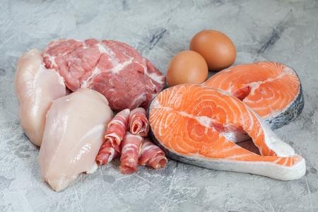 carne cruda: Proteínas y grasas Foto de archivo