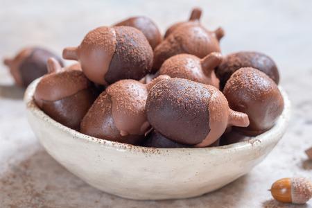 Acorn chocolate cake pops