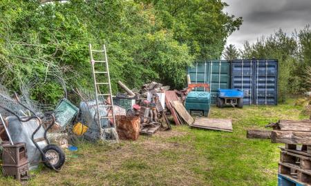정원의 쓰레기