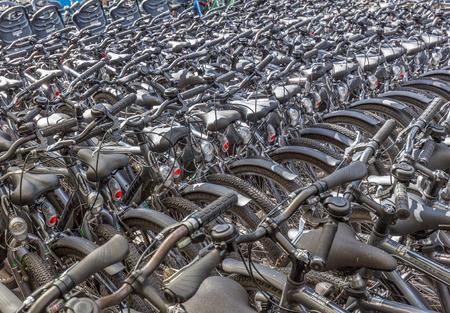 Center Parcs Sherwood Forest, Nottingham, en Angleterre, le 4 Septembre 2016: Beaucoup de vélos au centre du cycle au Centre Parcs Sherwood Forest