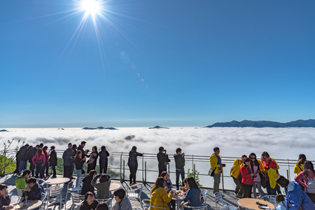 Panorama view from Unkai Terrace in summer time sunny day. Take the cable car at Tomamu Hoshino Resort, going up to see the sea of clouds. Shimukappu village, Hokkaido, Japan 新聞圖片