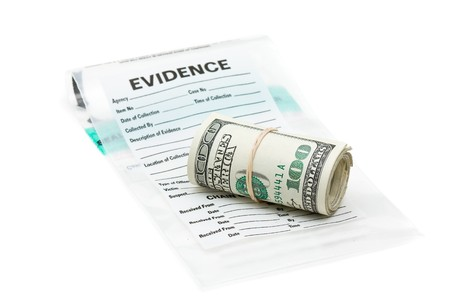confiscated: Rotolo di dollaro sulla borsa di prova
