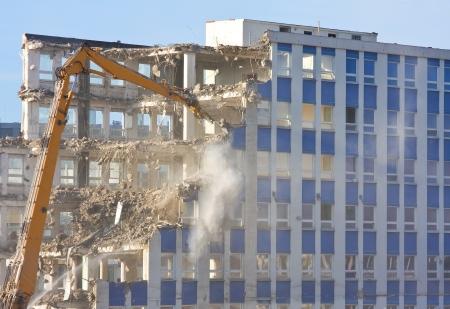 Abriss eines Gebäudes auf Baustelle Lizenzfreie Bilder