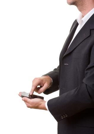 Geschäftsmann mit modernes Smartphone, isoliert auf weiss