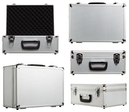 valise en métal différentes variations ouvert et fermé isolé sur fond blanc
