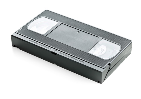videocassette: Sistema de home video analógico (VHS) cinta sobre fondo blanco