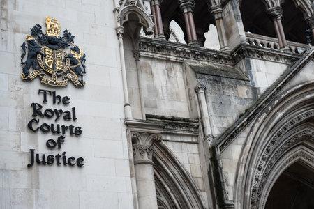 Londyn, Wielka Brytania – 16 stycznia 2020 r.: Front Royal Courts of Justice w Londynie Publikacyjne