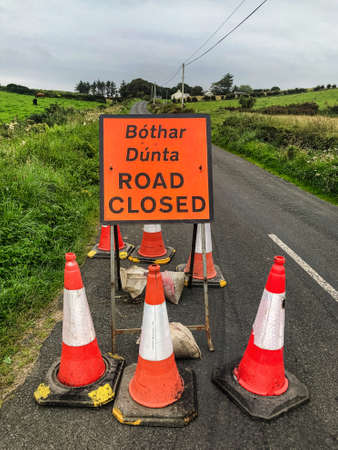 Road Closed Sign in Gaelic and English