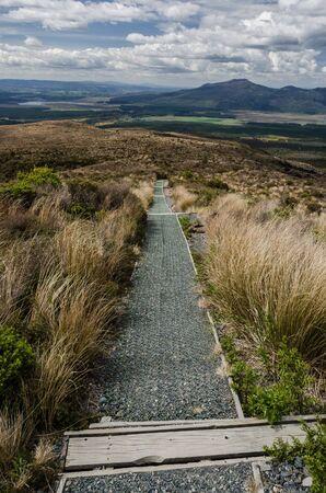 La route qui descend de Tongariro National Park, Nouvelle-Z�lande