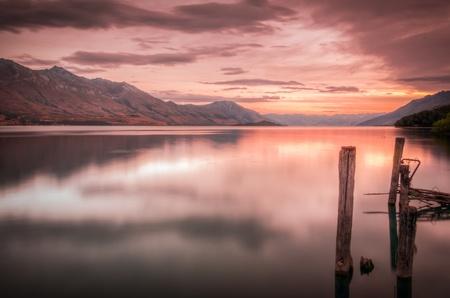 Beautiful sunset at Lake Wakatipu Standard-Bild