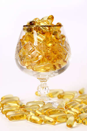 brink: Glass with gold shiny boluses