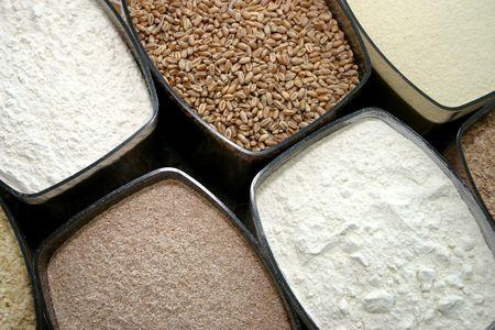 Set of dry food