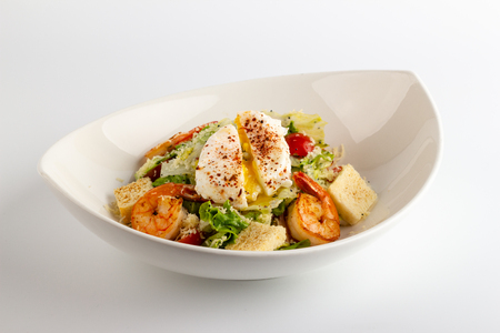 Caesar salad with shrimps and egg Pashot 版權商用圖片