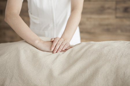 power suppliers: Woman to be a waist of massage