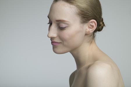 美しいモデルの笑顔の肖像画 写真素材 - 50436360