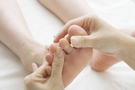 hold ups: Female customers, which is a foot massage